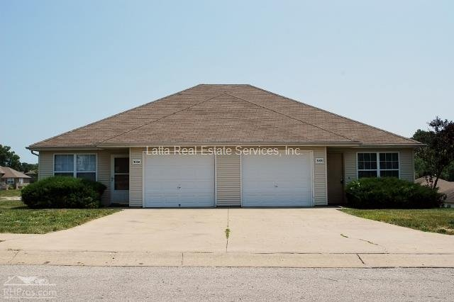 Duplex for rent in 3020 24 nw mill pl blue springs mo for Ranch stile duplex