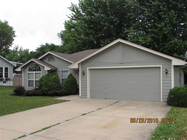 Main picture of House for rent in Blue Springs, MO